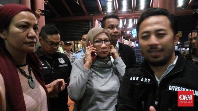 Dinas Kebudayaan dan Pariwisata DKI menyebut permohonan pendanaan dari aktivis Ratna Sarumpaet untuk berangkat ke Chile sudah dilayangkan sejak 31 Januari 2018.