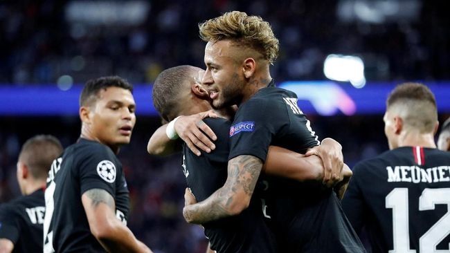 Paris Saint Germain diprediksi kehilangan empat pemain bintang jelang melawan Manchester United pada leg pertama babak 16 besar Liga Champions, Selasa (12/2).