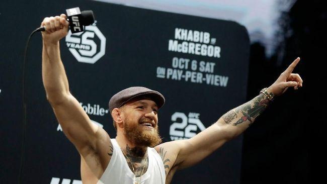 Mantan juara dunia UFC Conor McGregor menanti pertarungan antara penyanyi Justin Bieber vs aktor Tom Cruise di ring oktagon.