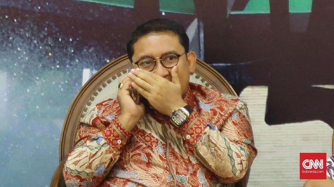 Fadli Zone mengoreksi baliho yang tercantum dalam baliho Ketua DPR Puan Maharani. Menurut Fadli penggunaan kata Kebhinekaan dalam baliho kurang tepat.