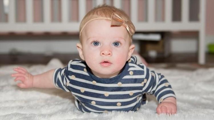 Apakah Bunda ingin membesarkan bayi yang pintar dan cerdas? Bisa coba 10 makanan untuk meningkatkan kekuatan otak bayi ini ya.