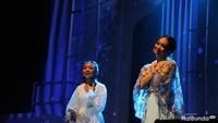 <p>Di konser ini Naura juga duet dengan ibunda tercinta, Nola 'Be3'.</p>