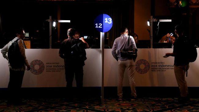 Pertemuan Tahunan IMF-World Bank 2018 di Bali belum menghembuskan angin segar untuk bisnis penukaran uang (money changer) wilayah setempat.
