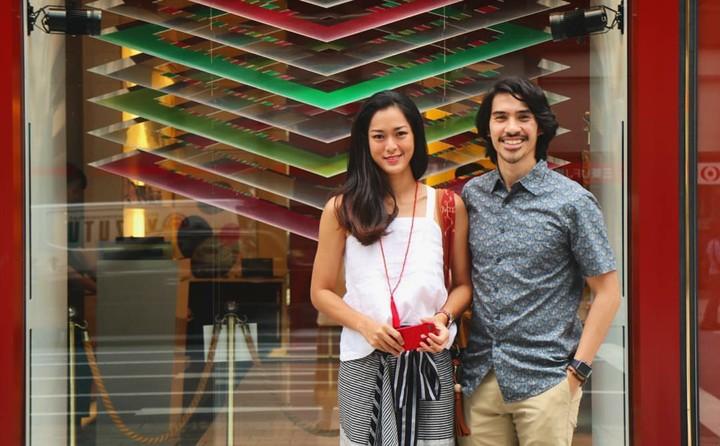 Begini momen-momen manis aktris cantik Prisia Nasution dan sang suami yang terbingkai dalam foto.