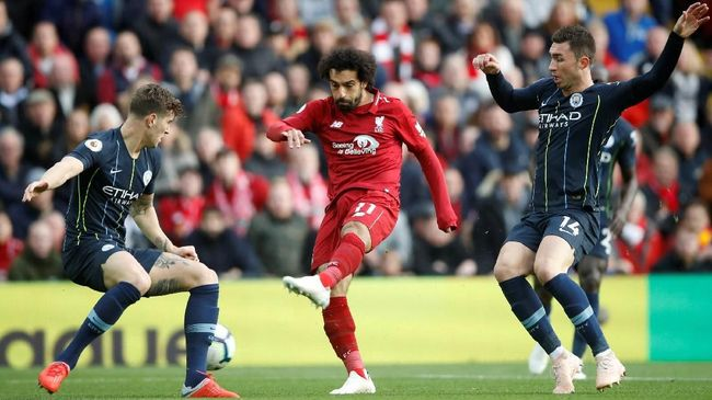 Untuk kali pertama dalam sejarah Liga Primer Inggris, tiga tim teratas, yakni Manchester City, Liverpool, dan Chelsea belum pernah terkalahkan dalam 10 laga.