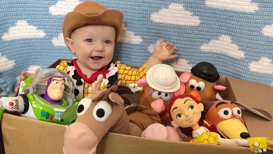 Cerita Ayah Kreatif Hobi Dandani Anak Jadi Karakter 'Toy Story'