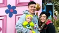 <p>Bayi mungil ini nggak hanya pakai kostum dari Toy Story, tapi dari tokoh Disney lainnya juga. (Foto: Instagram/toystorydad)</p>
