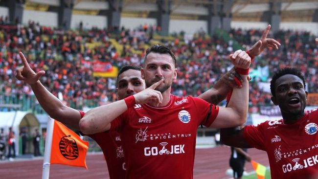 Persija Jakarta sukses mengalahkan Barito Putera 3-0 di Stadion Patriot Candrabhaga Senin (30/10), Marko Simic cetak dua gol.