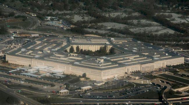 Departemen Pertahanan AS sempat di-lockdown usai seorang polisi tewas di terminal transit massal Pentagon.
