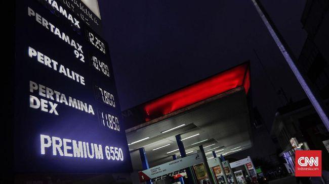 Pemerintah menarik ulur kebijakan kenaikan harga Premium menjadi Rp7 ribu per liter. Padahal, harga keekonomiannya sudah mencapai di atas Rp8 ribu per liter.
