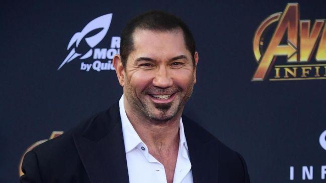 Pemeran Drax, Dave Bautista, tak malu-malu menyatakan ingin ikut James Gunn yang disebut diincar DC untuk menggarap 'Suicide Squad 2'.