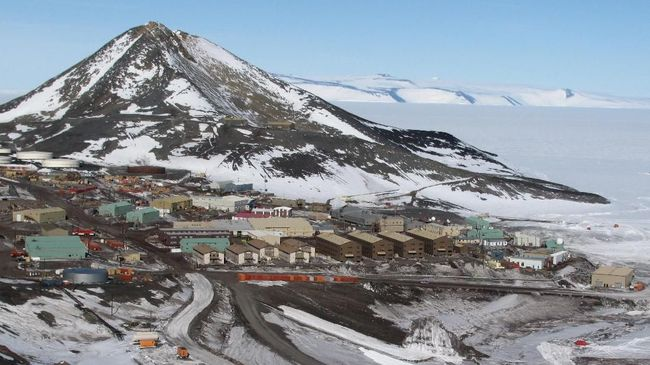 See other McMurdo Station and Antarctica images in my portfolio. View of McMurdo Station on Ross Island, in Antarctica.