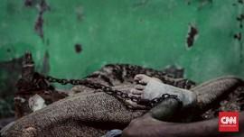 FOTO: Menyelamatkan Asep dari Borgol Jiwa