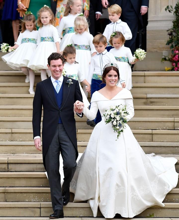 Pangeran George dan Putri Charlotte kembali jadi pengiring pengantin di pernikahan Putri Eugenie dan Jack Brooksbank. Aksi mereka menggemaskan banget!