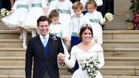 <p>Yeay! Pangeran George dan Putri Charlotte jadi pengiring pengantin lagi di pernikahan Putri Eugenie dan Jack Brooksbank. (Foto: Toby Melville - WPA Pool/Getty Images)</p>