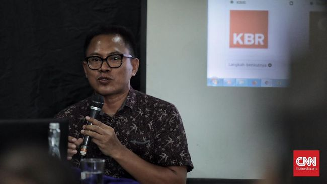 Ketua AJI Abdul Manan mengingatkan agar Hari Pers Nasional jangan dijadikan ajang untuk mencari uang dan ajang kongkow antara pejabat dengan wartawan.
