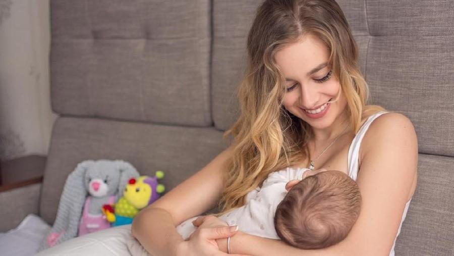 ASI Keluar Sebelum Bayi Lahir, Normal Nggak Sih?