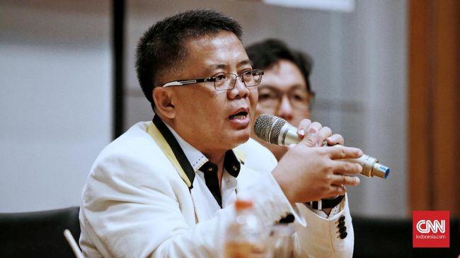 Presiden PKS memastikan tidak ada suasana perbedaan pendapat yang mengarah ke ketegangan antara Prabowo dan Sandiaga usai hitung cepat pilpres 2019.
