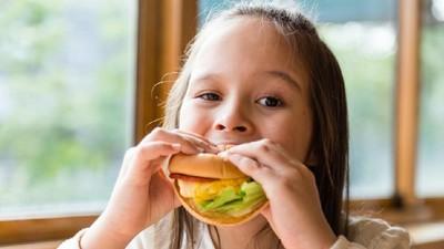 Pengaruh Konsumsi Fast Food dengan Kemampuan Belajar Anak