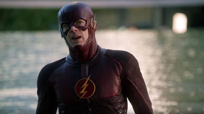 Nasib serial 'The Flash' yang tampaknya tak berjalan sesuai judul. Salah satu sebabnya, sang aktor utama yang dijadwalkan syuting film 'Fantastic Beasts'.