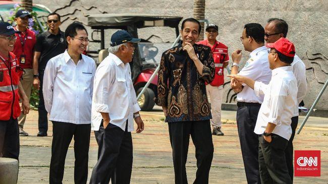 Presiden Jokowi meminta semua pihak tak mempolitisasi pembebasan tarif Jembatan Tol Suramadu karena tak berkaitan dengan Pemilihan Presiden (Pilpres) 2019.