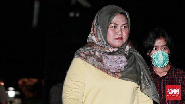 Sekda Jabar Iwa Karniwa mengatakan dugaan suap Bupati Bekasi Neneng Hasanah Yasin harus jadi peringatan bagi seluruh PNS di Jabar untuk bekerja sesuai aturan.