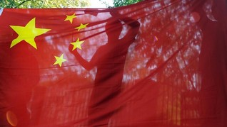 China Ancam Inggris atas Huawei hingga Bos Startup AS Tewas
