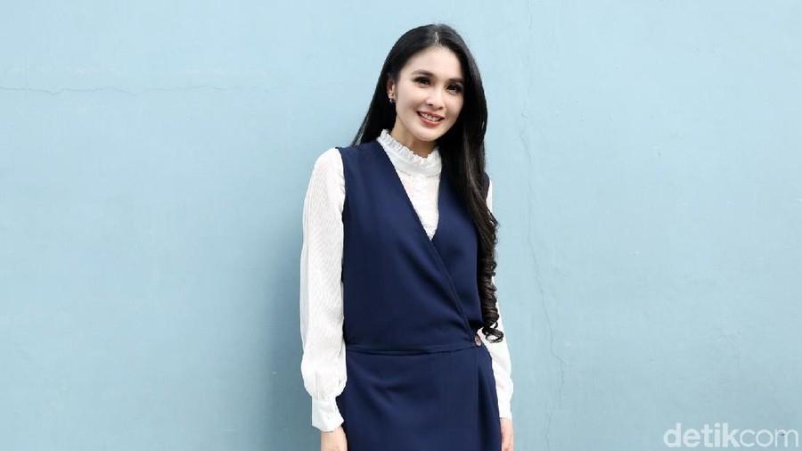 Cerita Tantangan Sandra Dewi Saat Putranya Diberi MPASI