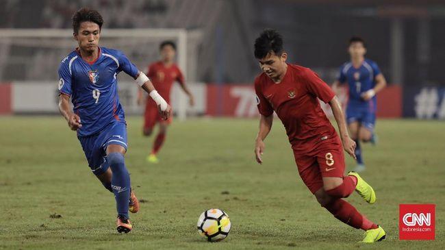 Timnas Indonesia U-22 berada di posisi dua klasemen Grup B Piala AFF U-22 2019 setelah ditahan imbang Malaysia 2-2.