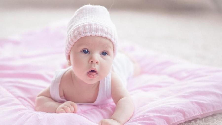 30 Nama Bayi Perempuan Bermakna Awal yang Baru