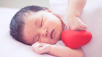 Atas Nama Cinta, Please Stop Cium Bibir Bayi Kalau Lagi Sakit!