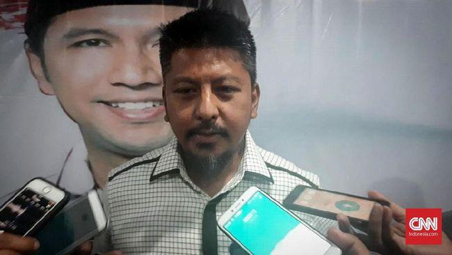 Badan Pemenangan (BPP) Provinsi Prabowo-Sandiaga Jawa Timur menggelar rapat untuk menelaah video yang dijadikan dasar polisi menetapkan Ahmad Dhani tersangka.
