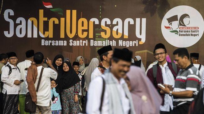 Strategi kampanye para paslon peserta Pilpres 2019 menyambangi pesantren dan kiai dinilai sebagai ciri gamblang politik identitas yang terjadi di Indonesia.