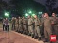 Satpol PP Bekasi Dipersenjatai Bambu Tertibkan Pelanggar PSBB