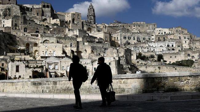 Overtourism kini sudah menjadi momok bagi destinasi wisata, baik yang sudah ataupun menuju kategori populer, di seluruh dunia.
