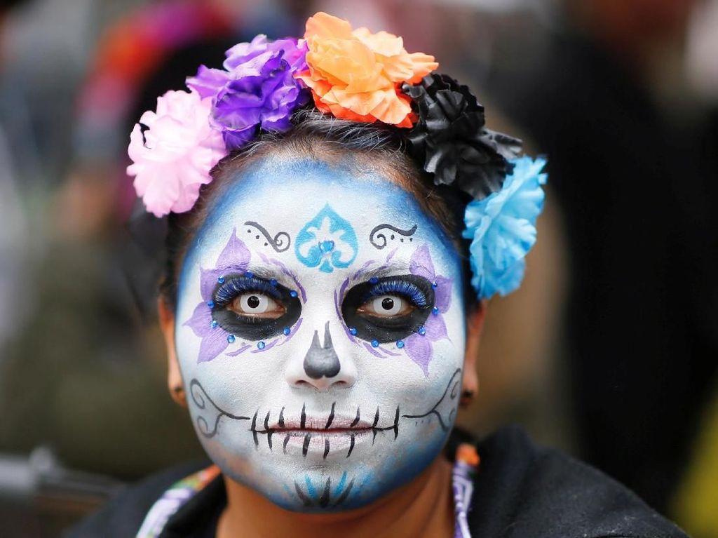 Festival Kematian: Ketika 'Setan' Turun ke Jalan