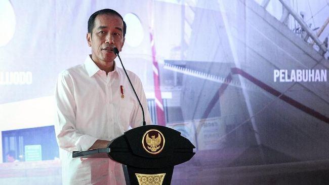 Presiden Joko Widodo meminta masyarakat melapor kepada Satuan Tugas Sapu Bersih Pungutan Liar (Saber Pungli) jika dipaksa bayar administrasi sertifikat tanah.