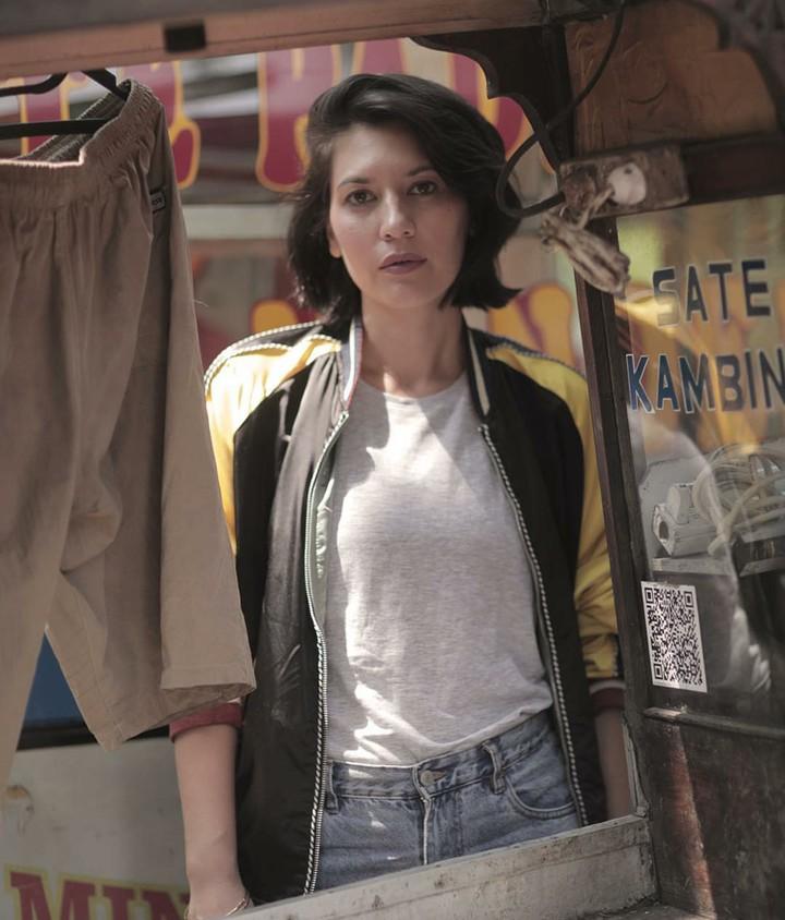 Pemeran Nadezhda di film 'Aruna & Lidahnya', Hannah Al Rashid sejak kecil sudah tomboy lho, Bun. Hmm seperti apa ya Hannah di masa kecil?