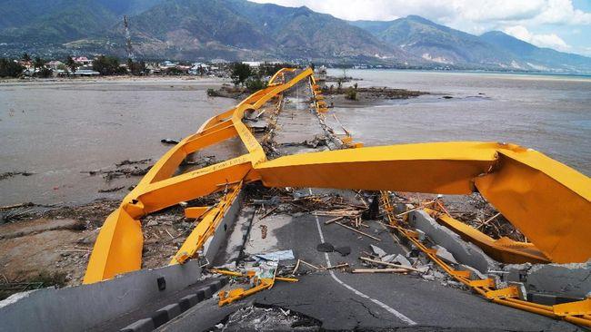 Penelitian di Inggris membantah asumsi tsunami yang terjadi pascagempa Palu akibat adanya saluran di teluk Palu, tapi akibat longsor bawah laut.