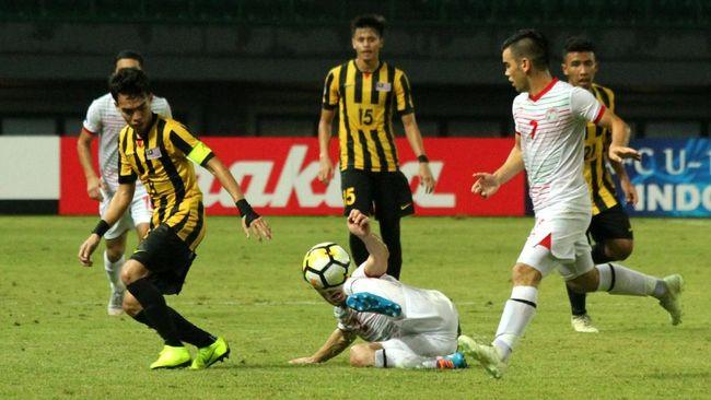 Pelatih Malaysia U-19 Bojan Hodak turut prihatin atas cedera patah kaki yang dialami pemain Tajikistan ketika berduel dengan anak asuhnya di Piala Asia U-19.