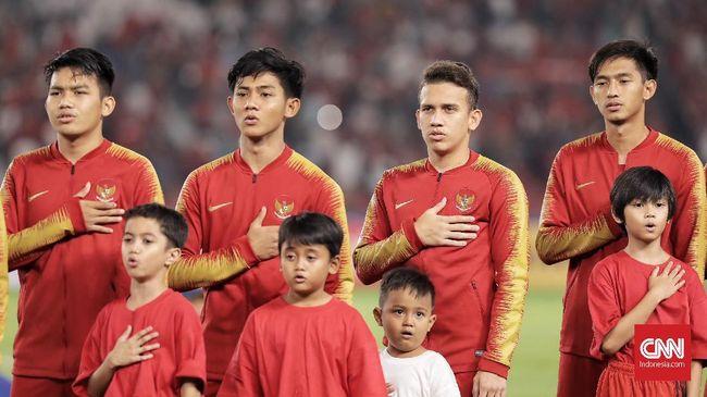 Egy Maulana Vikri memulai pertandingan dari bangku cadangan saat Timnas Indonesia U-19 menghadapi Jepang U-19 pada laga perempat final Piala Asia U-19 201.