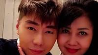 <p>Bahkan, Roy Kiyoshi berpesan pada netizen untuk menyayangi ayah dan ibu sebelum terlambat. Roy bilang, yuk sebisa mungkin membahagiakan orang tua, lahir, dan batin. (Foto: Instagram/ @roykiyoshi)</p>