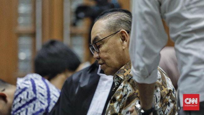 Vonis hakim terhadap Kotjo lebih rendah dari tuntutan jaksa penuntut umum KPK yang menuntut 4 tahun penjara dan denda Rp250 juta.