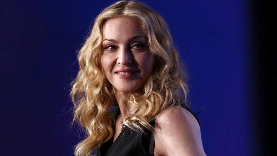 Wah, Madonna Bayar Pria Ratusan Miliar demi Bisa Punya Anak