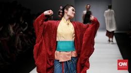 FOTO: Racikan Kehalusan Wanita dalam 'Sutra Dewangga' Obin