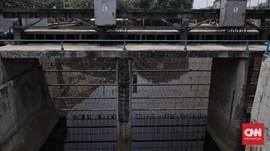 Hujan, Pintu Air Pasar Ikan Jakarta Utara Siaga II Banjir