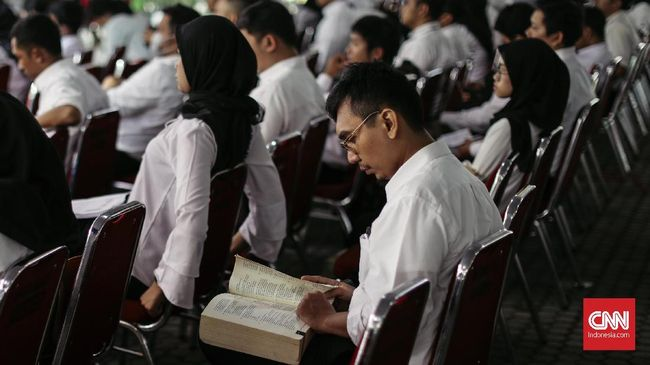 Pelamar CPNS tahun lalu paling banyak berasal dari lulusan Universitas Terbuka, yakni 20.856 orang, dan Universitas Pendidikan Indonesia sebanyak 8.011.