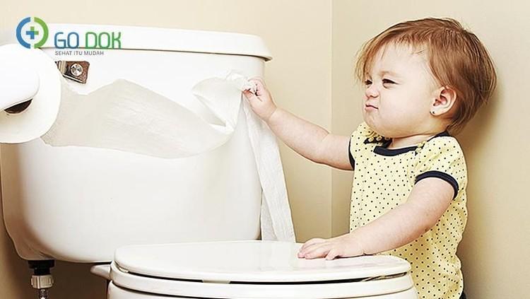 Supaya si kecil cepat lulus dari toilet training-nya, tiga tips ini bisa banget Bunda terapkan.