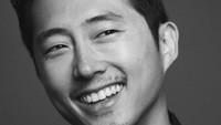 <p>Steven Yeun, aktor blasteran Korea-Amerika ini merupakan pemeran Glenn Rhee dalam drama horor terkenal, 'The Walking Dead'. (Foto: Instagram/steveyeun)</p>