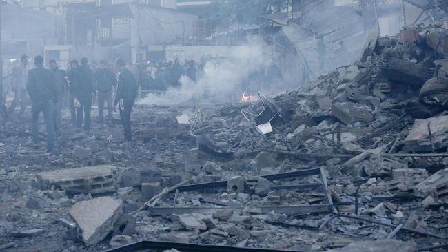 Kelompok yang menguasai Jalur Gaza, Hamas, mengklaim bahwa setidaknya 20 orang tewas akibat serangan udara Israel ke Palestina.